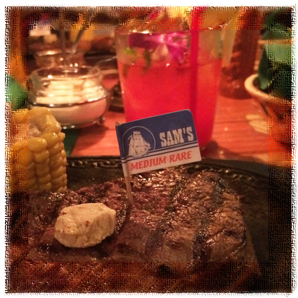 友人の投稿を見て、沖縄のステーキ屋さんに行く