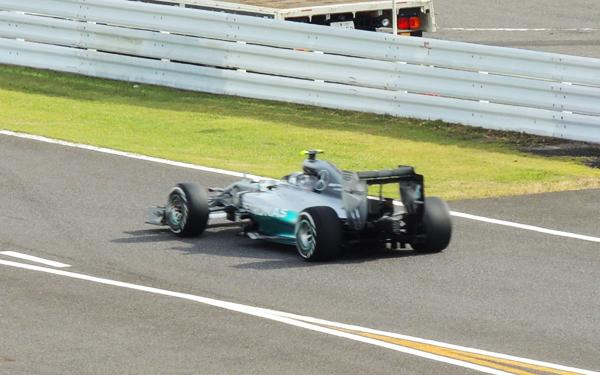 予選1位、ポールポジションのメルセデスチームの ニコ・ロズベルグ