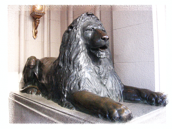 三越銀座店のライオンは中国人観光客を歓迎していたか?