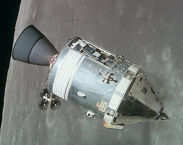 アポロ計画の月着陸時の司令船