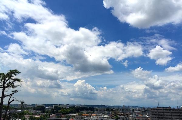 ルフーフバルコニーからの見た夏の空