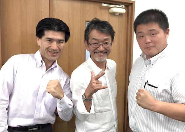 萩原校長(左)と商業科の西村先生(右)