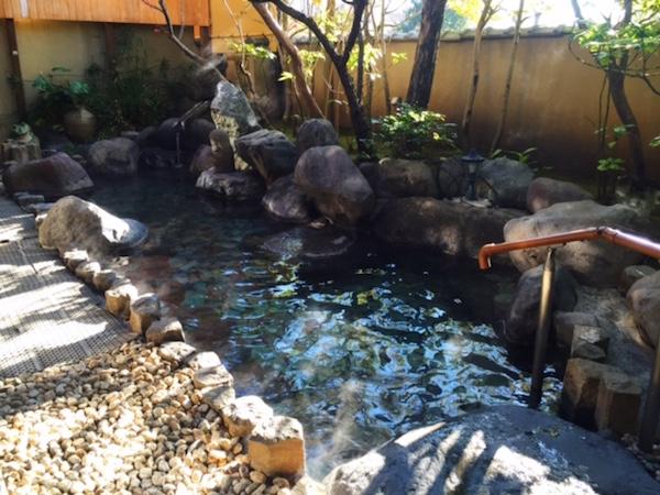 伊豆長岡温泉「はなぶさ旅館」の露天風呂
