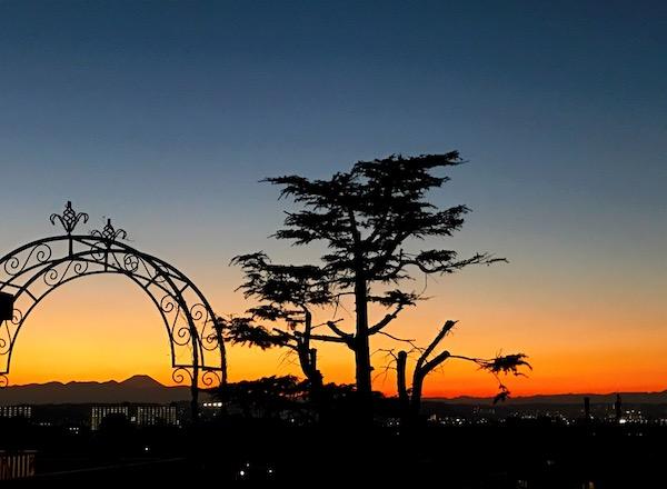 自宅から見えた富士山のシルエット